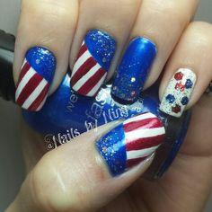 Fourth of July nail art design #nailartdesign #nailart #4thofjulynails