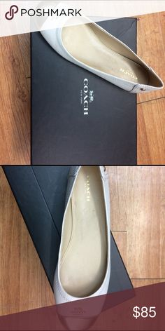 Coach Chelsea ballet flats Comfortable coach flats cushioned footbed. Great for city walks or a relaxed day around town. Coach Shoes Flats & Loafers