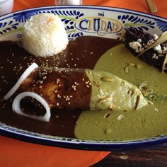 Real Mexican Food: Chicken Breast with MOLE and PIPIAN. White Rice and Black Beans