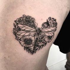 Tatuajes con significado: el arte de la simbología. Los tatuajes son algo más que una moda. Muchas personas los usan para expresar rasgos de su personalidad, gustos, creencias, sentimientos, motivaciones… Algunos quedan satisfechos con un solo tatuaje en su piel, mientras que otros van añadiendo diseños a su cuerpo a lo largo de su vida. A