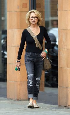 Ripped up: Felicity Kendal appears to be living the good life now as she was seen in London looking phenomenally youthful despite her near septuagenarian status(Eyebrow Makeup Step) Over 60 Fashion, Mature Fashion, Fashion Over 50, Older Women Fashion, Mode Outfits, Casual Outfits, Fashion Outfits, Fashion Trends, Felicity Kendal