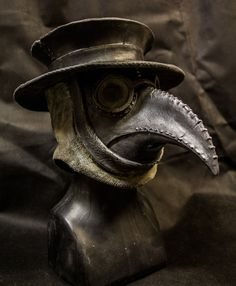 Traditional Plague Doctor Mask with Hat