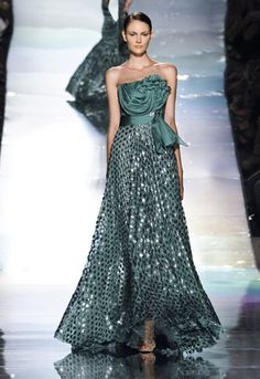 Tealish Green Haute Couture Jack Guisso · Inspiration by Color Couture Dresses, Bridal Dresses, Fashion Dresses, Prom Dresses, Moda Blog, Festa Party, Beautiful Gowns, Couture Fashion, Pretty Dresses
