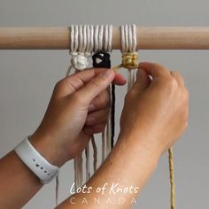 How To Change Colours When Tying Berry Knots! Macrame Design, Macrame Art, Macrame Projects, Micro Macrame, Macrame Plant Hanger Patterns, Macrame Wall Hanging Patterns, Macrame Patterns, Berry, Youtube