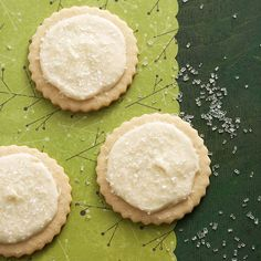 Coarse sugar gives these lightly spiced cookies a touch of holiday sparkle! http://www.bhg.com/christmas/cookies/favorite-christmas-cookies/?socsrc=bhgpin122114eggnogfrostednutmegsugarcookies&page=33
