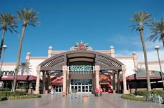Galleria Mall in Las Vegas Las Vegas Shopping, Galleria Mall, Cheap Web Hosting, Mansions, House Styles, Live, Villas, Palaces, Mansion