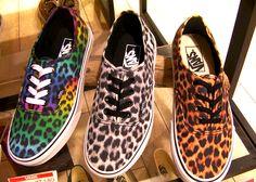 already have the vanz in the middle ^. Sock Shoes, Vans Shoes, Cute Shoes, Me Too Shoes, Shoe Boots, Shoes Sandals, Pretty Shoes, Flat Shoes, Leopard Vans