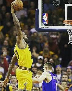 NBA Christmas Day schedule: What time TV channel is Cleveland Cavaliers vs Lebron James Kyrie Irving, King Lebron James, King James, Basketball Legends, Basketball Players, Lebron James Family, Nba Kings, Cleveland Cavs, Nba Champions
