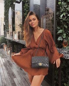 Brown dress with black channel bag❤😍 . Fashion Tips For Women, Passion For Fashion, Womens Fashion, Fashion Updates, Brown Dress, Mode Inspiration, Everyday Fashion, Dress To Impress, Summer Outfits