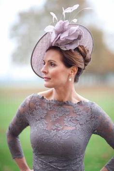 Perfect matching mauve fascinator and lace dress - racing carnival fascinator fashion ladieswear Discover our range of Nigel Rayment wedding hats & fascinators to complete your outfit. Mother Of The Bride Accessories, Mother Of The Bride Looks, Wedding Hats, Dress Wedding, Wedding Vendors, Wedding Advice, Chic Wedding, Wedding Blog, Wedding Catering