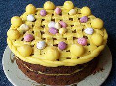 Traditional Simnel Cake – Easter 2012 Simnel cake - a traditional Easter cake. The eleven yellow Cake Recipes Uk, Fruit Recipes, Gourmet Recipes, Sweet Recipes, Egg Recipes, Creative Cake Decorating, Creative Cakes, Cookie Decorating, Decorating Ideas