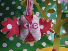 Little owl keyring/bag charm made from vintage knitted fabric and felt.     Visit facebook/Happy.Hayes.Bespokebagsandaccessories
