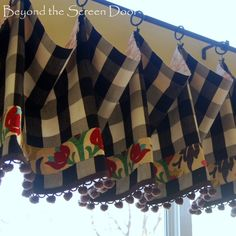 Lovin' Those Little Details ~ Contrast Linings | Beyond the Screen Door