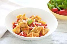 Fagottini ripieni di melanzane e mozzarella ai pomodorini ricetta