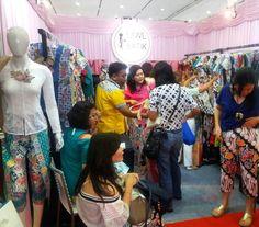 From: http://batik.larisin.com/post/143221588498/day-1-crowd-inacraft-hall-a-no-188-mwlbatik