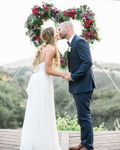 Sharing some helpful wedding advice today on the blog from the brides whose weddings we've admired throughout the past year. Pop over to see all their tips  (Photo: @meganwelker | Florals: @lavendersflowers) #weddingideas #wedding #ceremony #flowers