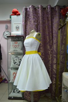 Платье в стиле Ретро для Валерии http://vintage-trend.ru/info/30/Medvedeva_Valeriya__Sankt_Peterburg.html