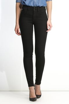 Skinny True Black Push In Secret jeans in black denim | 100258 Black | Salsa