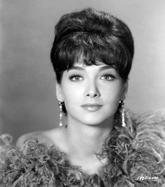 Suzanne Pleshette (January 1937 – January was an American actress and voice actress. After beginning her career in the theatre, she began appearing in films in the late and later appeared in prominent films such as Rome Adventure and Alfred Hollywood Stars, Hollywood Glamour, Hollywood Actresses, Actors & Actresses, Suzanne Pleshette, Classic Actresses, Beautiful Actresses, Vintage Hollywood, Classic Hollywood