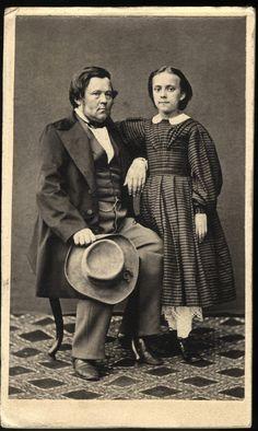 Augusta Johnson ja Gustaf Wilhelm Johnson. Minna Canthin sisar ja isä. Kuva on otettu todennäköisesti vuosien 1860 ja 1862 välisenä aikana. Kuvaajaa ei tiedetä. Finland, Vintage Photos, The Originals, Couple Photos, Couples, Travel, Couple Shots, Viajes, Couple Photography