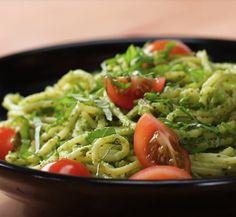 Vegan Pesto Pasta Full re – The Best Recipes Pasta Al Pesto, Pesto Pasta Recipes, Almond Recipes, Vegan Recipes, Cooking Recipes, Cooking Tips, Vegan Spaghetti, Ramadan Recipes, Good Food