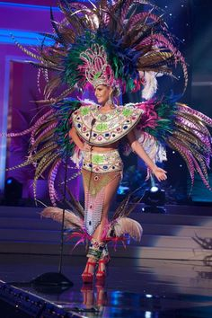 Uruguay - National Costume Inspired By The Miss Universe 2015 Pageant Miss Universe Costumes, Miss Universe National Costume, Mardi Gras Costumes, Carnival Costumes, Costumes 2015, Moulin Rouge Dancers, Mother Goddess, Beautiful Inside And Out, Belly Dancers