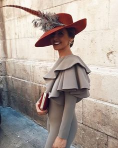Mother Of The Bride Jackets, Mother Of Bride Outfits, Race Day Outfits, Cool Outfits, Fashion Outfits, Wedding Hats For Guests, Race Day Fashion, Ceremony Dresses, Stylish Hats