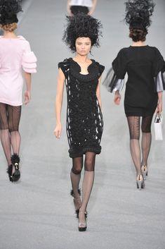 Chanel Spring 2009 Ready-to-Wear Fashion Show - Magdalena Frackowiak