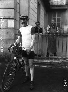 Gran Prix Wolber 1909, Critérium Français Peugeot. 1^Tappa, 18 aprile. Parigi > Tours. Georges Lorgeou (1880-1957) (Agence Rol) [gallica.bnf.fr / Bibliothèque nationale de France]