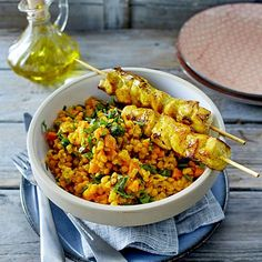 Our popular recipe for lentil curry salad with chicken skewers and more than other free recipes on LECKER. Our popular recipe for lentil curry salad with chicken skewers and more than other free recipes on LECKER. Lentil Recipes, Salad Recipes, Healthy Recipes, Free Recipes, Chicken Skewers, Chicken Salad, Chicken Curry, Chicken Sandwich, Lentil Curry