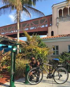 Our @downtownwpb station is now equipped with its very own Bike Fix-It Station!  #ilovewpb #bike #bikelife #transit #southflorida by trirail   @blckrc
