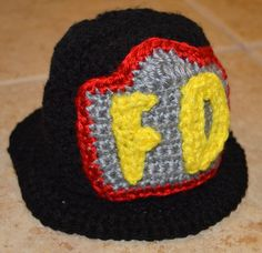 Cro-Shayley Makes a Fireman Hat Crochet Baby Boy Hat, Crochet Kids Hats, Crochet For Boys, Crochet Beanie, Crochet Crafts, Crochet Projects, Crochet Animals, Free Crochet, Crocheted Hats