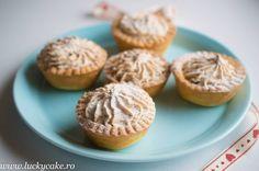 cosulete-cu-nuca-si-gem-4 Lucky Cake, Romanian Desserts, Cake Shop, Biscotti, Deserts, Muffin, Gluten, Treats, Breakfast