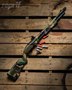 The types of guns you have in your doomsday preparation play a crucial role in your survival. Check out our short list of the best guns to keep you alive. Remington 870 Tactical, Tactical Shotgun, Camo Guns, Hunting Guns, Weapons Guns, Guns And Ammo, Airsoft, Zombie Guns, Combat Shotgun