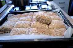 Ukemeny for uke 1 Baking Recipes, Cake Recipes, Norwegian Food, Bread And Pastries, Bread Rolls, No Bake Desserts, Bread Baking, Food For Thought, Scones