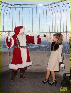 Ariana Grande: Empire State Building Lighting! | ariana grande empire state building lighting 27 - Photo