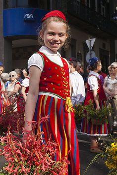 Flower Festival - Festa da Flor Island, Little girl in traditional costume Funchal, Folk Costume, Costumes, Portuguese Culture, Flower Festival, Cultural Diversity, Face Design, Azores, Portugal Travel