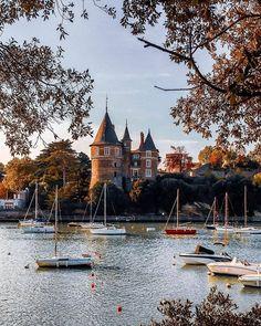 Pornic Pays de la Loire, France Saumur, Boutique Deco, Laval, France, Mansions, House Styles, Instagram, Atlantic Ocean, Pays De La Loire