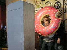 Donuts with Dad photo booth idea Pta School, School Events, Back To School, Kids Events, School Counseling, Fathers Day Photo, Fathers Day Crafts, Doughnuts, Big Donuts
