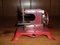 Antique Toy Sewing Machine by likemydolls on Etsy