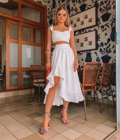 Discovered by María José. Find images and videos about outfits, moda and street style on We Heart It - the app to get lost in what you love. All White Party Outfits, Beach Party Outfits, White Summer Outfits, Trendy Outfits, Fashion Outfits, Summer Dresses, Party Outfit Summer, All White Outfit, Holiday Dresses