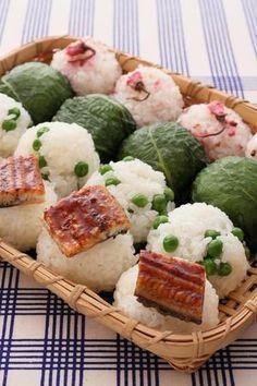 Spring Onigiri, Japanese Rice Balls (Grilled Unagi Eel, Green Peas, Takanazuke leaves, Sakura)|春のもっちり四色むすび
