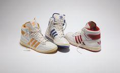 adidas Originals Pro Conference / Модель adidas Originals Pro Conference была выпущена в конце 80-х годов в качестве альтернативы популярных среди баскетболистов NBA моделей Rivalry и Conductor. Переизданные в базовой цветовой гамме кроссовки, безусловно, вызывают чувство ностальгии. Модель...