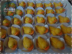 Doces modelados Patos. Shaped candy Paros . Doces Ninho. https://www.facebook.com/monikedocesartesanais?pnref=lhc