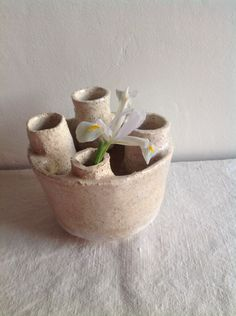 Daladier Cécile Cecile, Planter Pots, Vase, Home Decor, Homemade Home Decor, Flower Vases, Jars, Decoration Home, Vases