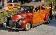 1939 Ford Deluxe woody