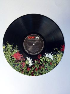 Enchanted forest nature inspired art floral music wall art hand painted record - 33 RPM painted vinyl record Red and white florals along with delicate vines and greenery crea - Record Wall Art, Music Wall Art, Art Inspiration Drawing, Art Inspo, Character Inspiration, Art Sketches, Art Drawings, Inspiration Artistique, Cd Art