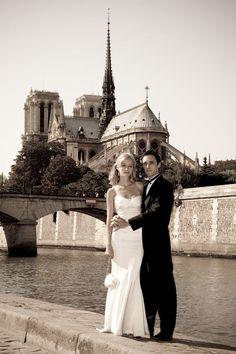 Fairy-Tale Backdrop Notre Dame  #Treswedding