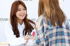 "[Gallery] Girls' Generation's Sooyoung Is an Angel at ""2013 Double M Fan Signing Event"""