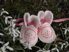 Baby Snowdrop Bootees